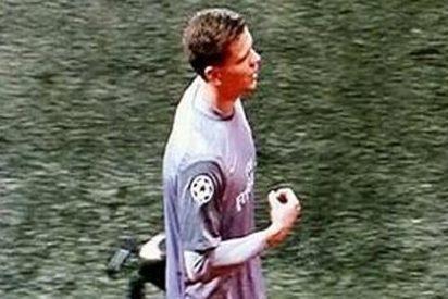 El obsceno gesto del jugador del Arsenal tras ser expulsado