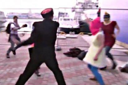¿Has visto como sacude la Policía rusa a las Pussy Riots por intentar actuar en los Juegos de Sochi?
