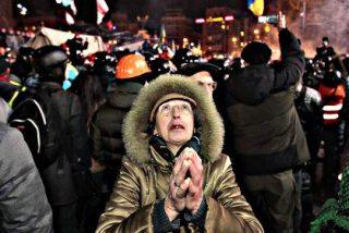 Al menos 21 muertos, siete de ellos policías, en la protesta ante el Parlamento de Kiev