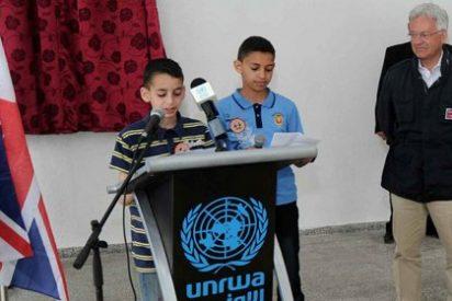 """Hamás acusa a la UNRWA de introducir textos """"inapropiados"""" en su programa de estudios en los campamentos"""