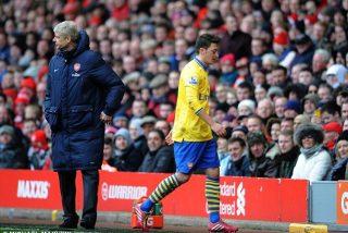 Ozil pide perdón ante los palos recibidos