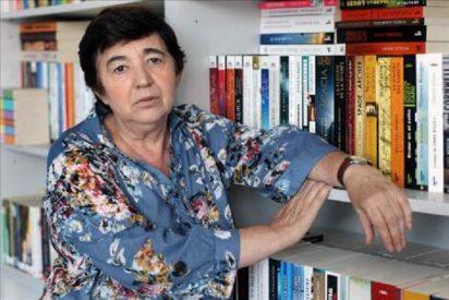 Con la muerte de la escritora Ana María Moix se nos va de golpe la 'gauche divine'