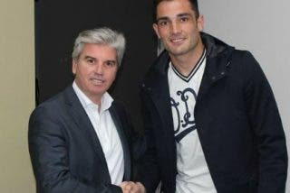Adán firma con el Betis hasta 2017