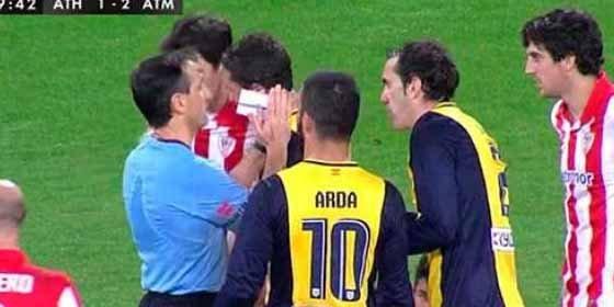 El árbitro... ¡pidió perdón al Atlético de Madrid!