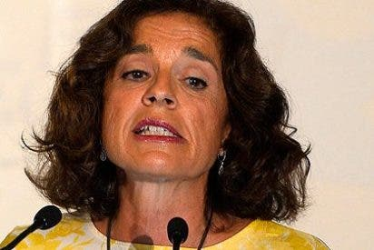 Ana Botella le cascará casi mil euros de multa a quien orine en la calle o alimente a gatos y palomas