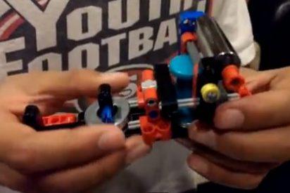 Un niño californiano inventa una impresora braille formada por piezas de Lego