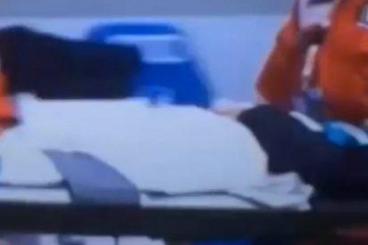 Un jugador noquea a un cámara de televisión en la Bundesliga
