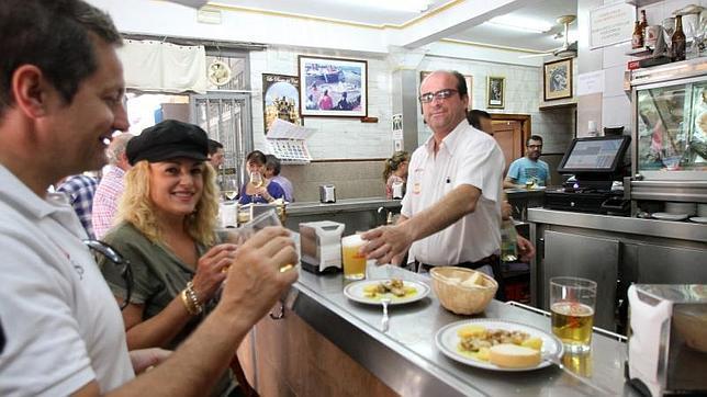 Un año catastrófico para las tapas, las copas y los cafés: en 2013 se cerraron 10.000 bares en España