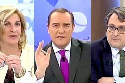 """Los tertulianos de 'El Cascabel' ajustician a Del Nido: """"Con el daño que le ha hecho al Sevilla, es un bochorno que haga el payaso con la gorra"""""""