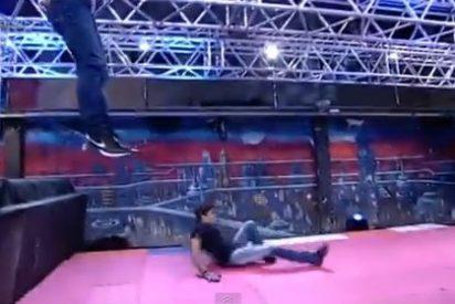 El vídeo de la mala pata de Cayetano Rivera en 'El Hormiguero' al romperse el peroné