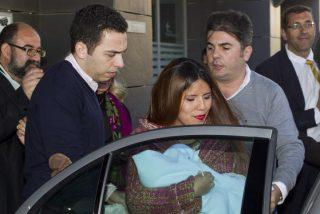 Chabelita presenta a su bebé y se refugia en 'Cantora', dejando compuesto a Alberto