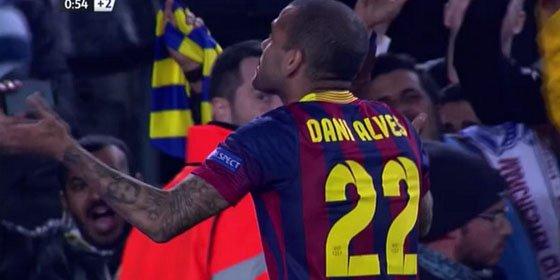 """En 'Mundo Deportivo' creen que TikiTaka repitió 63 veces el baile de Alves para """"desviar la atención de la victoria del Barça"""""""