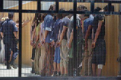 """Pueblos Unidos denuncia que """"la Policía y el Ministerio del Interior criminalizan a los inmigrantes retenidos en los CIE"""""""