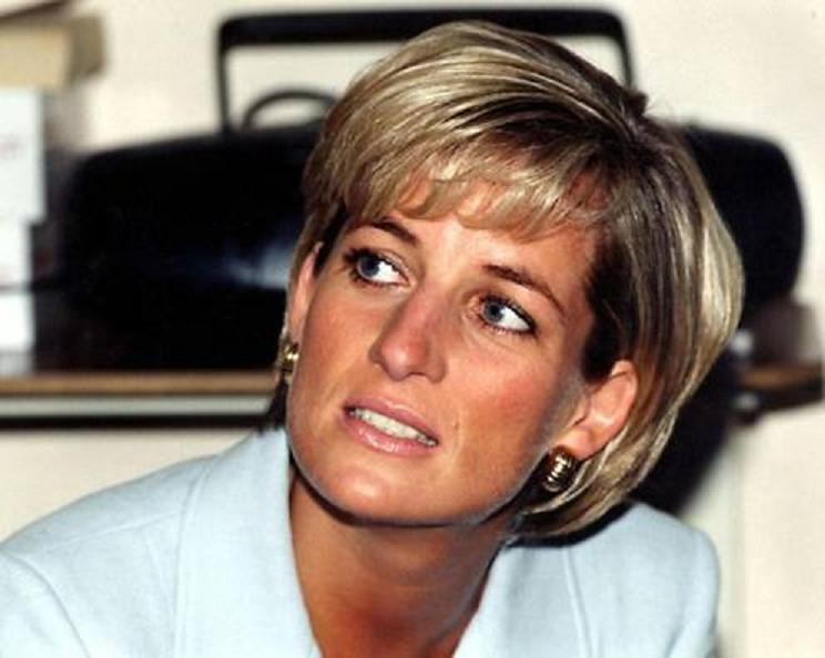 La venganza de la princesa Diana: pasó a un periodista la agenda de contactos reales
