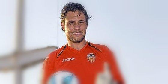 El Valencia quiere renovar a Alves