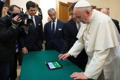 El Papa planta un olivo virtual por la paz