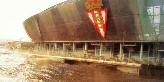 El Estadio del Sporting aparece inundado