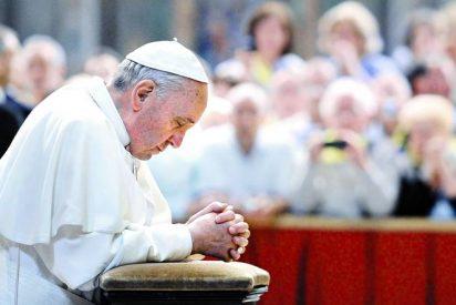 """El Papa arremete contra los """"hipócritas"""" que """"se disfrazan de buenos católicos"""""""
