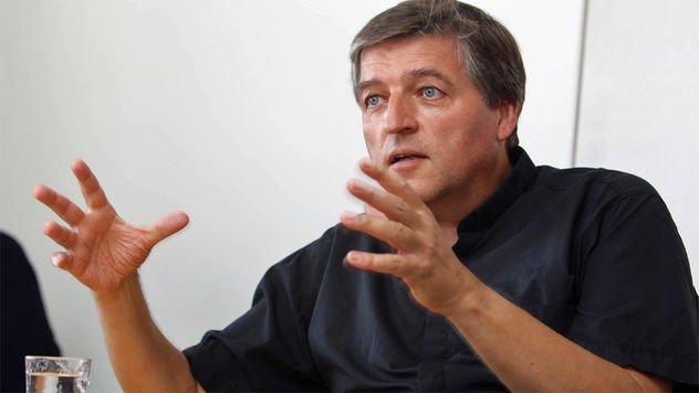 """Curas austriacos alertan de que hay un """"frente anti-Francisco"""" en Roma"""