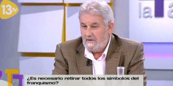 """Javier Casal (SER) acusa de """"facherío rancio"""" al alcalde de Pelayos de la Presa por una plaza dedicada a Franco"""