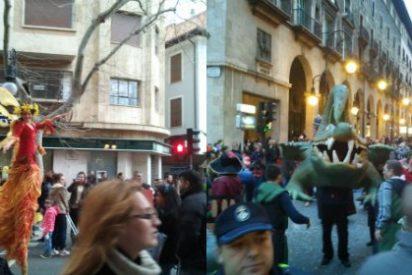 Sa Rueta inundó de color Palma con 20.000 voces mezcladas con disfraces y música