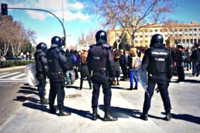 Al menos 50 detenidos al desalojar la Policía a los estudiantes que asaltaron el vicerrectorado de la Complutense