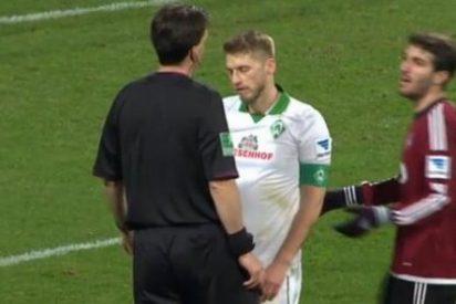 El árbitro le pita penalti pero rectifica al admitir que se ha tirado