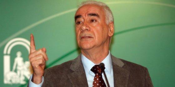 Alonso rechaza el concepto empresarial del 'director gerente' que propone la Lomce