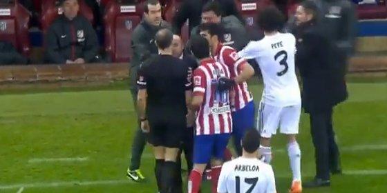El 'Mono' Burgos llamó al árbitro que le expulsó