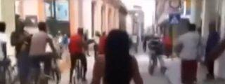 [Vídeo] Se pasea desnuda por las calles de La Habana y le meten un puro con paliza incluida