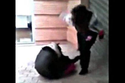 El vídeo de la brutal paliza de una niña española de otra compañera de estudios