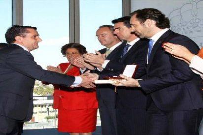El Gobierno entrega a Marilén Pol y a título póstumo una muy merecida Medalla al Mérito Turístico