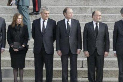 Posada al rescate: un rifirrafe con Moragas casi agua la foto de los expresidentes