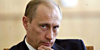 Putin hace un corte de mangas y firma un decreto en el que reconoce a Crimea como Estado soberano