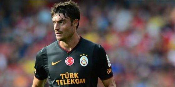 El lateral español ficha por el Udinese