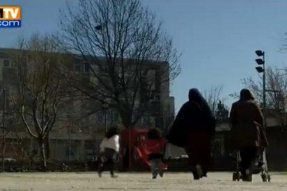 Descubren a 4 'niños salvajes' que vivían encerrados en la habitación de un piso en París