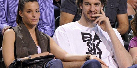 Pau Gasol rompe con su novia cheerleader de 25 años