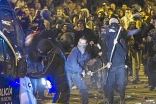 """Los violentos del 22-M gritaron al Samur que """"dejara morir"""" a los polícias heridos"""
