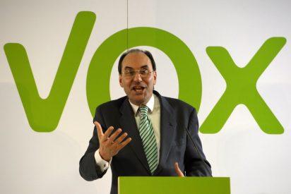 Los dos besos de Cospedal a Vidal Quadras: flojos y sin apretar, que conste