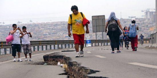 El fantasma del tsunami se aleja de Chile y deja la sombra de 6 muertos tras el terremoto