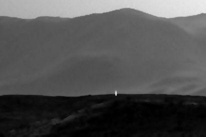 La NASA fotografía en Marte una extraña luz artificial: ¿Vive alguien bajo tierra?