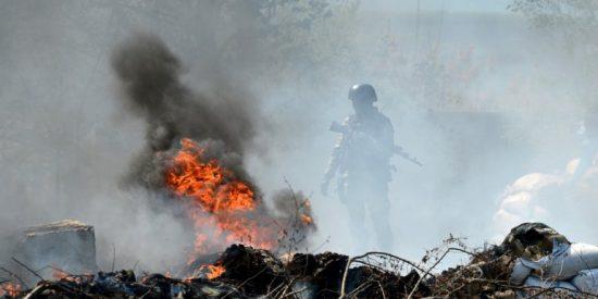 Los soldados ucranianos cercan Slaviansk y no se achantan con las maniobras militares rusas