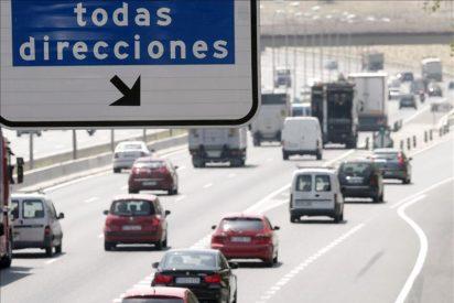 Los baches en las carreteras españolas sólo se arreglan con un 'golpe de volante' de 6.200 millones