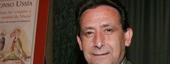 """Salvador Sostres pide al """"tontorrón"""" y al """"pobre"""" que voten a Rajoy y Cañete"""