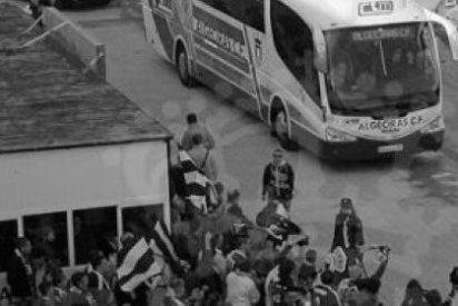 Cazan a un árbitro tirando piedras al autobús de un equipo andaluz