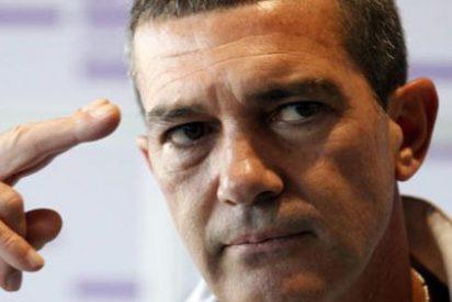 Las deudas y las denuncias... ¡alejan a Antonio Banderas del paddock!