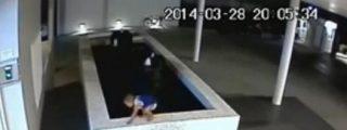 [Vídeo] La lucha contra la muerte de un bebé que cae a una piscina y a quien nadie ve