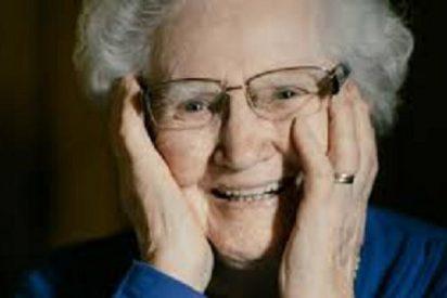 """La antigua criada de Hitler, en plan cotilla: """"Estaba prohibido observarle mientras paseaba"""""""