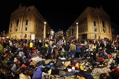Decenas de miles de peregrinos abarrotan las iglesias de Roma en las vigilias previas a la canonización