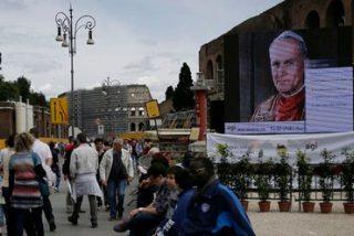 La canonización contará con las reliquias de sangre y piel de Wojtyla y Roncalli